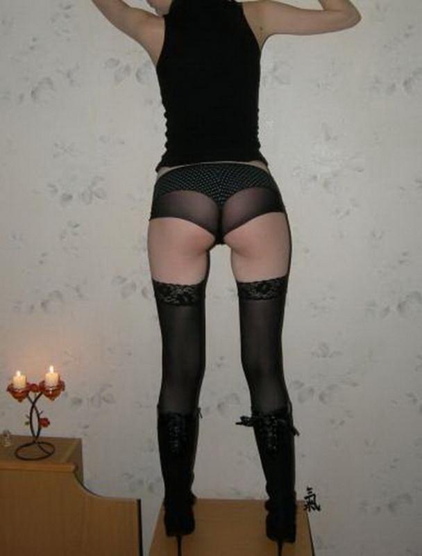 домашнее фото девушка в колготках и стрингах